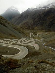Patagonia, serpenteando el paso caracoles bajo la mirada de Leandro Sancholuz