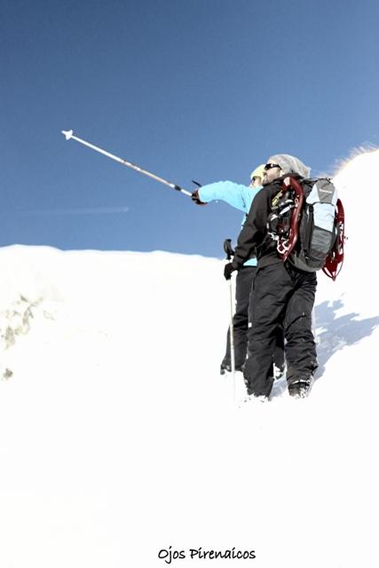 Nieve venteada, pocos rincones donde poner raquetas